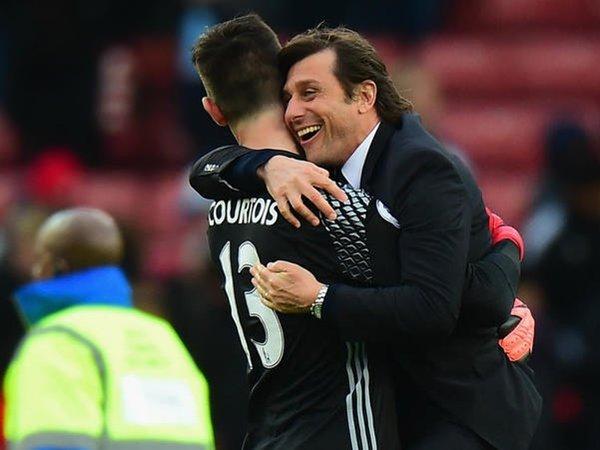 Berita Liga Inggris: Courtois Pede Conte Akan Tetap Tinggal di Chelsea