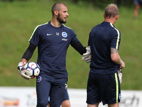Berita Liga Inggris: Niki Maenpaa Resmi Perpanjang Kontrak di Brighton & Hove Albion