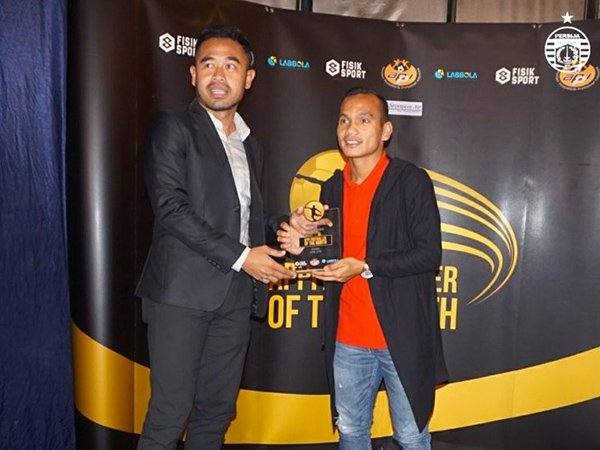 Raih Penghargaan Pemain Terbaik, Winger Persija Kunjungi Barcelona