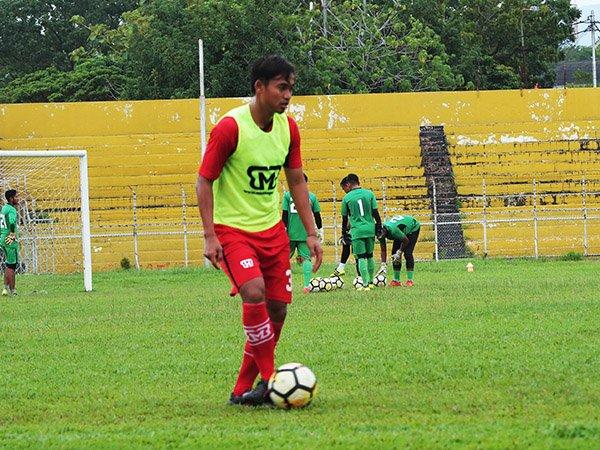 Rosad Setiawan Optimistis Bawa Semen Padang Kembali ke Liga 1