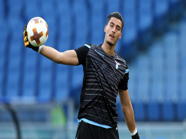 Lazio Sebut Harga untuk Target Liverpool Strakosha