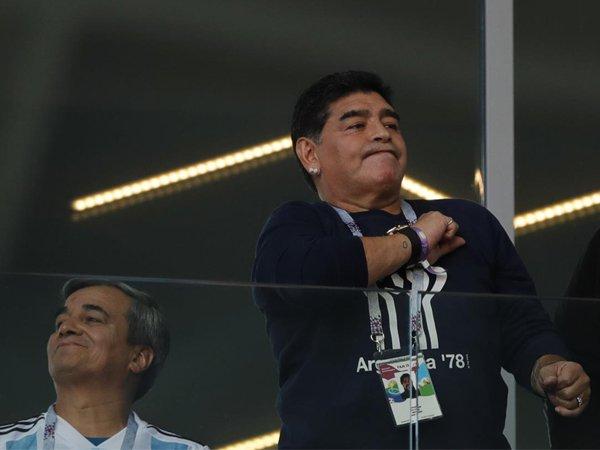 Hanya Imbang di Laga Pembuka, Diego Maradona Larang Jorge Sampaoli Pulang ke Argentina