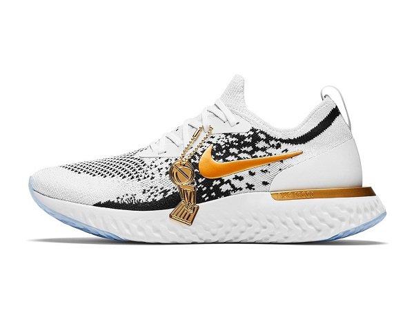 Nike Berikan Hadiah Sepatu Spesial Kepada Skuat Warriors