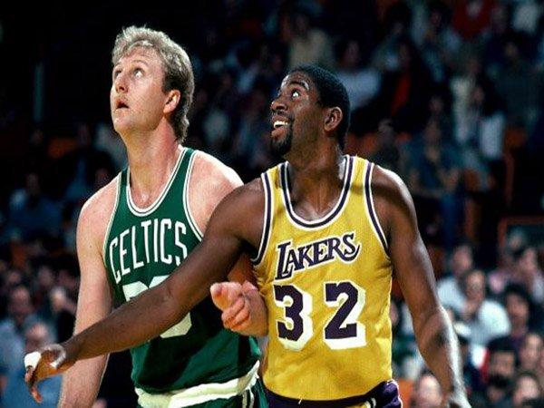 Berita Basket: Larry Bird Tidak Bisa Bayangkan Pergi Ke LA Lakers, Bermain Bersama Magic Johnson