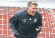 Berita Sepak Bola: Ini Pesan Schweinsteiger Untuk Pendukung Der Panzer