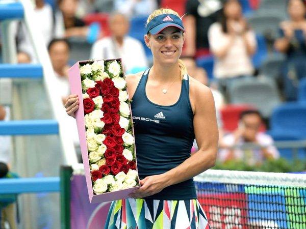 Berita Tenis: Para Rival Puji Angelique Kerber yang Solid dan Konsisten