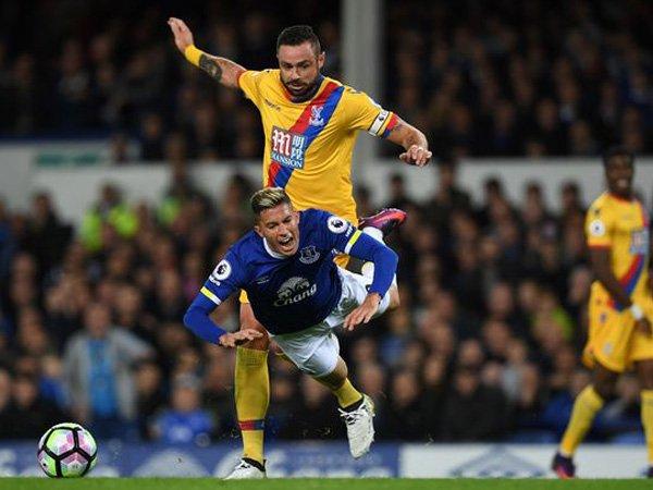 Berita Liga Inggris: Harapan Fullback Everton dengan Cederanya Leighton Baines
