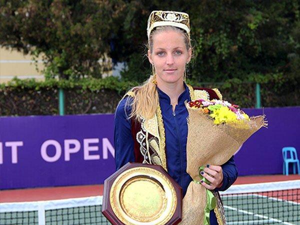 Berita Tenis: Krystina Pliskova Rebut Gelar Tashkent Open Dari Tangan Juara Bertahan, Nao Hibino