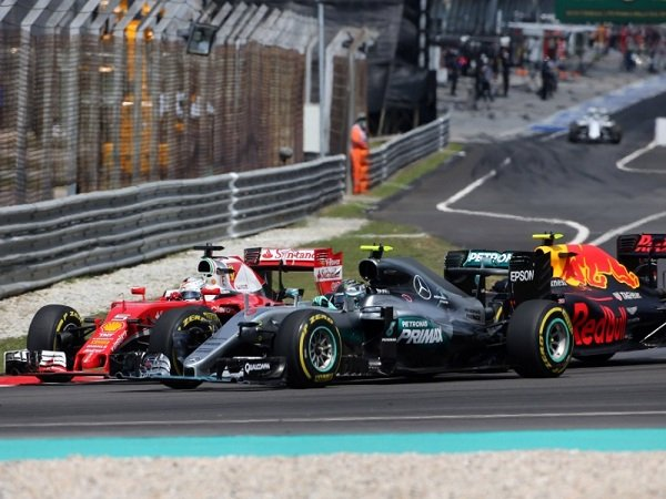 Berita F1: Buntut Tabrakan di GP Malaysia, Sebastian Vettel Mendapat Penalti di Grand Prix Jepang
