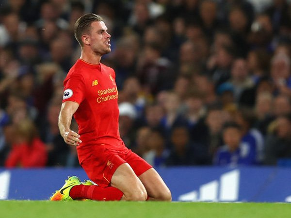 Berita Liga Inggris: Steven Gerrard Minta Semua Berhenti Kritik Jordan Henderson