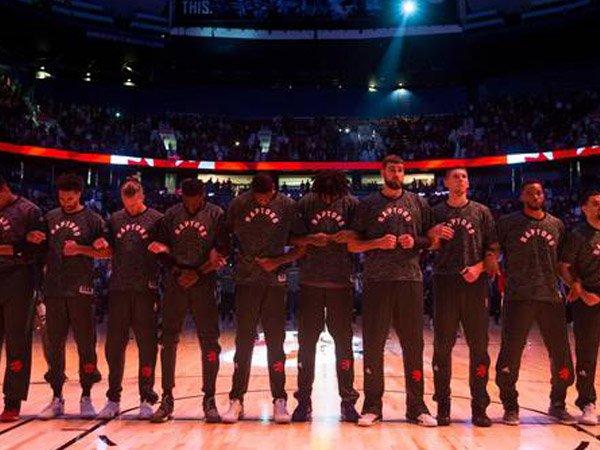 Berita Basket: Atlanta Hawks Ingin Semua Orang Mengaitkan Tangan Saat Lagu Kebangsaan Diperdengarkan