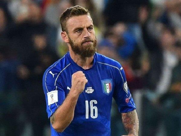 Berita Kualifikasi Piala Dunia: Daniele De Rossi Maafkan Blunder Gianluigi Buffon