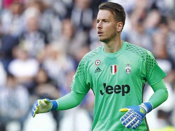 Berita Transfer: Juventus Cari Kiper Baru, Agen Neto Ancam untuk Hengkang