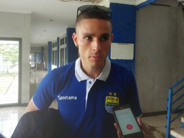 Berita TSC 2016: Bek Asing Persib Siap Redam Mesin Gol Madura United