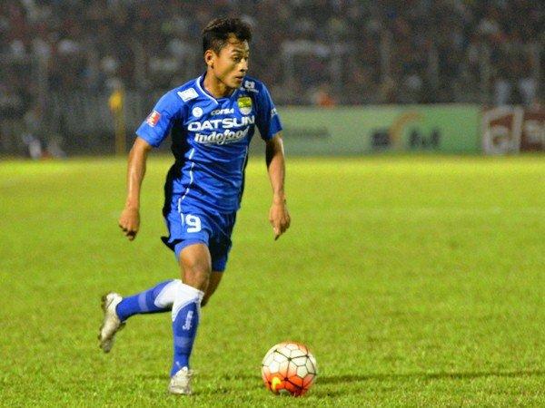 Berita TSC 2016: Samsul Arif Akan Eksploitasi Kelemahan Bek Madura United