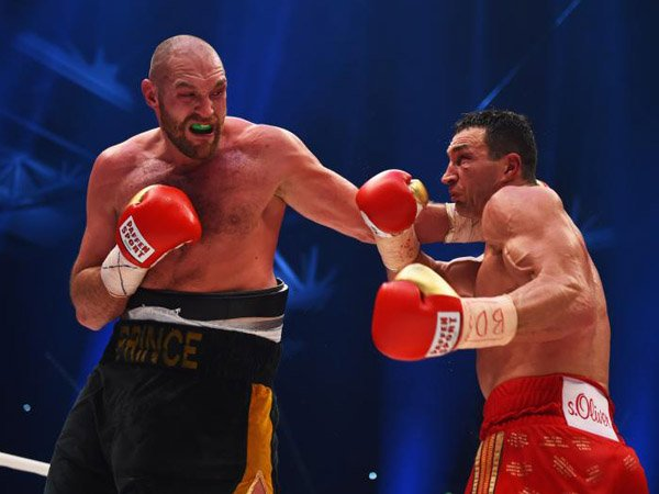 Berita Tinju: Tentang Tyson Fury, Bag.1: Mengalahkan Wladimir Klitschko