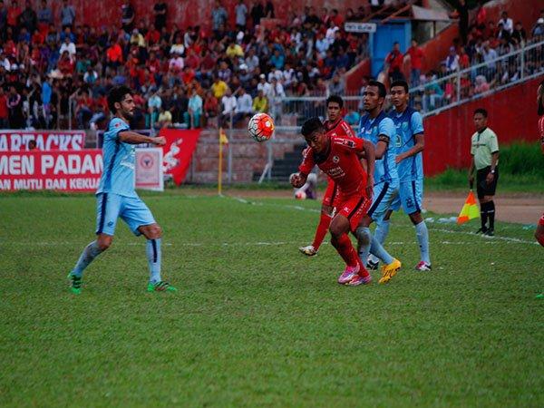 Preview TSC 2016: Persela vs Semen Padang. Misi Putus Kutukan Laga Tandang