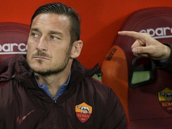 Berita Liga Italia: Totti Buka Peluang untuk Berkarir Sebagai Pelatih
