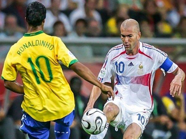 Berita Liga Spanyol: Apakah Ronaldinho Lebih Baik Ketimbang Zidane, Pele, dan Maradona?