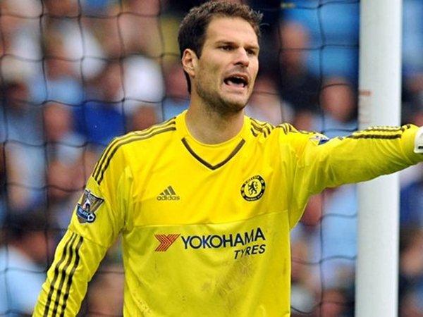Berita Liga Inggris: Kiper Chelsea, Asmir Begovic Menyebut Conte Sebagai 'Orang Baik'