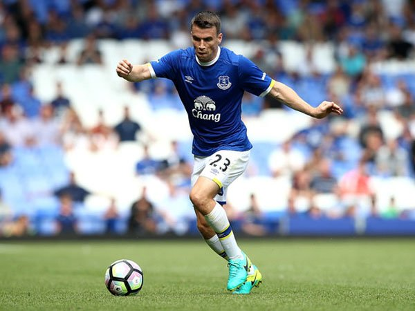 Berita Liga Inggris: Seamus Coleman Akui Everton Kerja Keras Perbaiki Lini Belakang