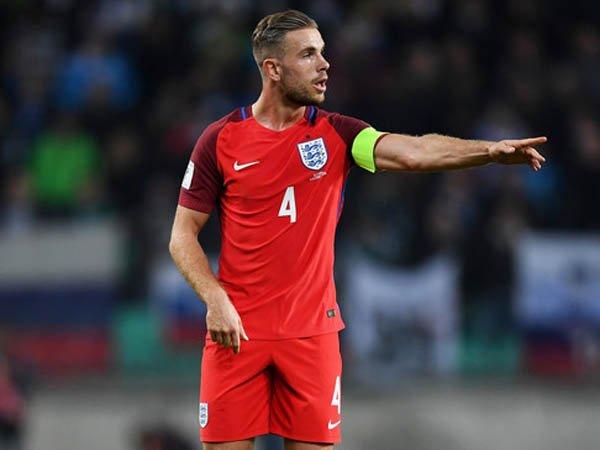 Berita Liga Inggris: James Milner: Jordan Henderson Layak Sandang Ban Kapten Inggris