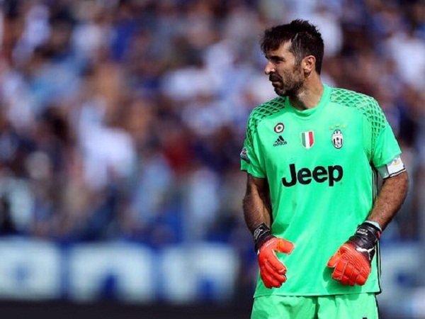 Berita Liga Italia: Gianluigi Buffon Masih Bisa Terus Bermain