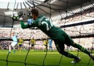 Berita Liga Inggris: Selamatkan Dua Penalti, Stekelenburg Pecahkan Rekor 95 tahun