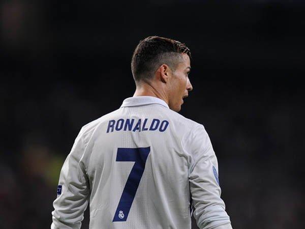 Berita Liga Spanyol: Florentino Perez Bantah Kabar Cristiano Ronaldo Ditawar Klub Cina