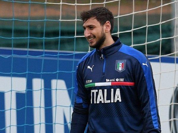 Berita Liga Italia: Gianluigi Donnarumma Ingin Bertahan di Milan, Banyak Klub Elite Patah Hati