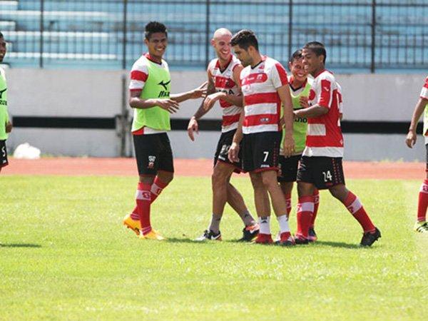 Tak Kebobolan Di Cilacap Cup  Pertahanan Madura United Liga