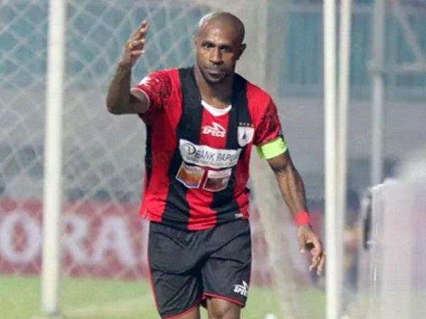 Berita Liga Indonesia: Boaz Cetak Dua Gol, Persipura Naik ke Urutan Lima