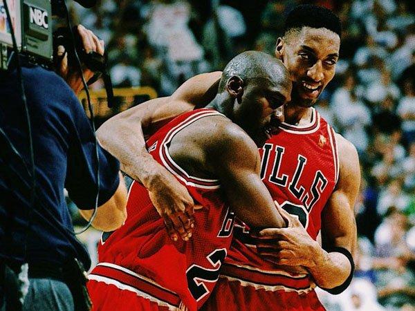"""Ragam Basket: Mengenang """"Flu Game"""", Michael Jordan Tampil Luar Biasa Meski Nyaris Mati"""