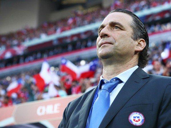 Berita Piala Konfederasi: Kalah di Final, Juan Antonio Pizzi Minta Chile Bergerak Maju