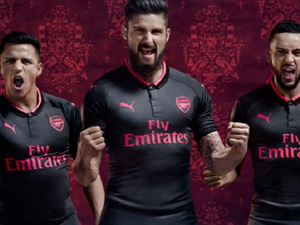 Berita Liga Inggris  Arsenal Luncurkan Kit Ketiga Musim 2017-18 0f86696dd