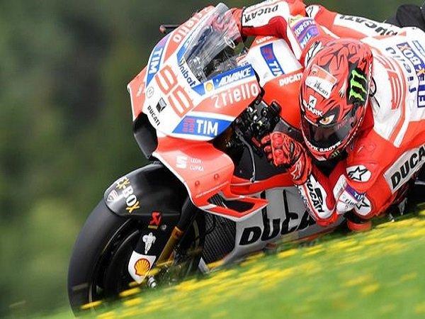 Lorenzo Targetkan Kemenangan Pertamanya Bersama Ducati