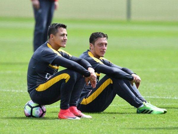 Wenger Akhirnya Ubah Halauan Soal Masa Depan Sanchez dan Ozil