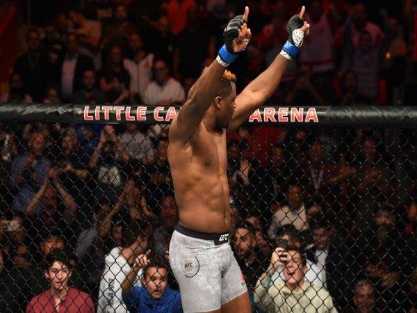 Usai KO Overeem, Ngannou Incar Juara Kelas Berat UFC