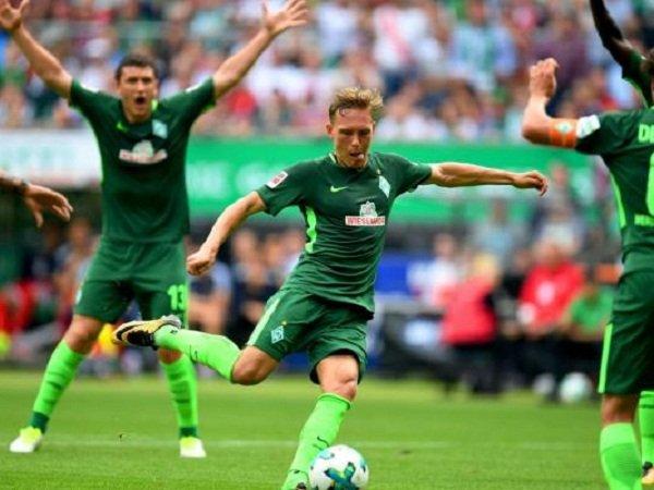 Milan Pantau Bek Multifungsi Werder Bremen
