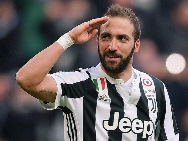 Dibandingkan dengan Kane, Legenda Juventus Klaim Higuain Terlalu Statis