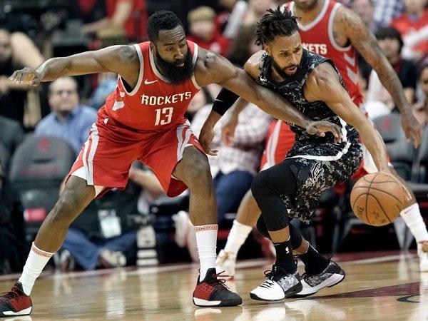 Duet Backcourt Houston Rockets Masih Terlalu Tangguh Untuk San Antonio Spurs