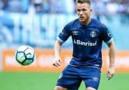 Coutinho dan Paulinho Adalah Biang Kepindahan Arthur ke Barcelona
