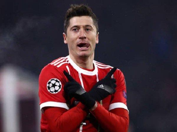 Louis van Gaal Akui Sempat Inginkan Robert Lewandowski ke Manchester United