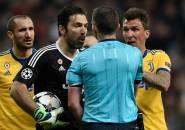 Buffon Tak Menyesal dengan Perlakuannya kepada Wasit Michael Oliver