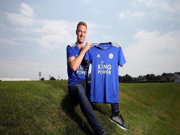 Leicester Resmi Datangkan Jonny Evans dari West Brom