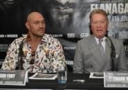 Warren: Tyson Fury Bakal Siap Lawan Joshua Setelah 3 Laga