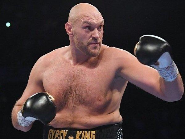 Warren: Tyson Fury Harus Turunkan Berat Badan Sebelum Laga Agustus