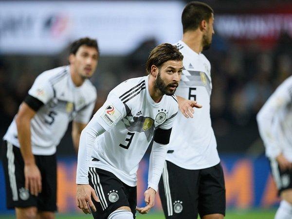Everton Tertarik Datangkan Bek Kiri Jerman, Marvin Plattenhardt