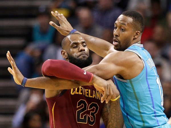 Dwight Howard Pesimis LeBron James Akan Gabung 76ers