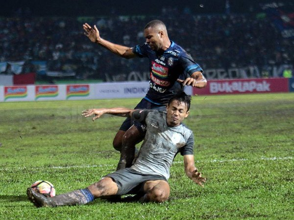 Arif Satria, Eks PSP dan Semen Padang yang Bersinar di Persela